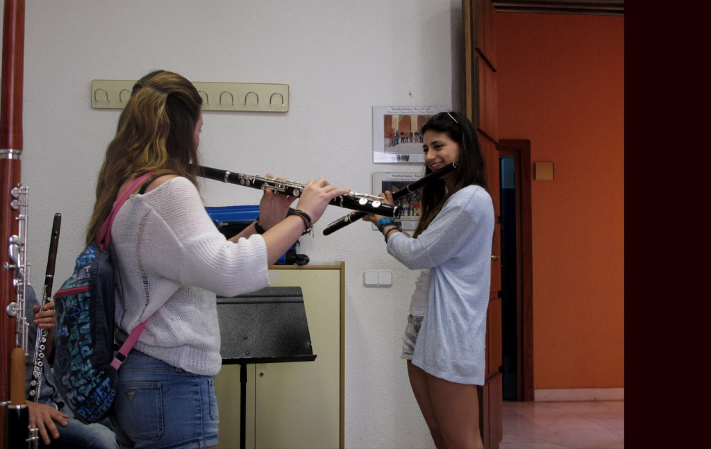 Trying_the_new_wooden_flutes