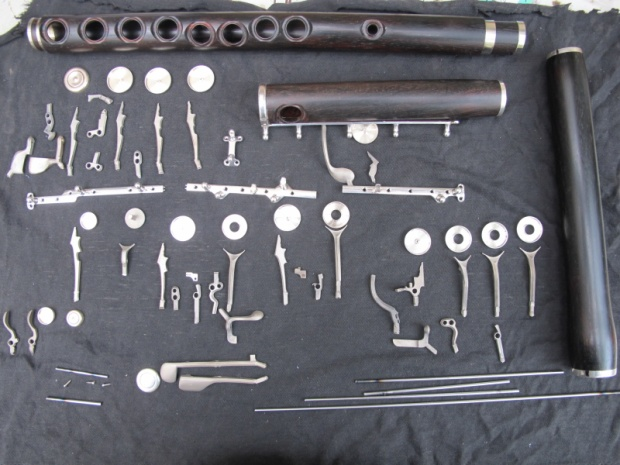 flute_with_accessories_silver